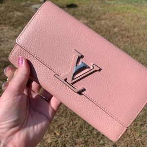 Louis Vuitton capucines wallet magnolia
